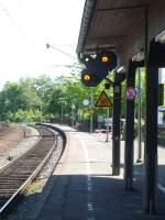 au-sieg/76126/hier-sieht-man-die-ausfahrt-des Hier sieht man die Ausfahrt des Bahnhofes von Au(sieg) in Richtung Siegen mit dem entsprechenden Vorsignal.